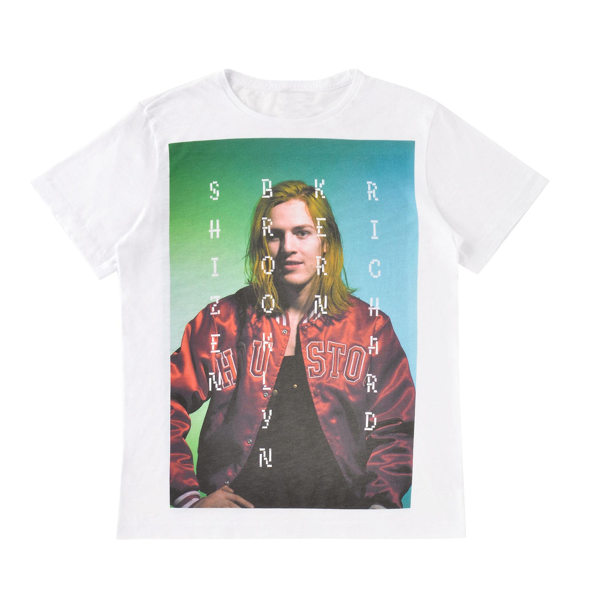 アートディレクターのピーター・マイルズが監修したリミテッドTシャツ