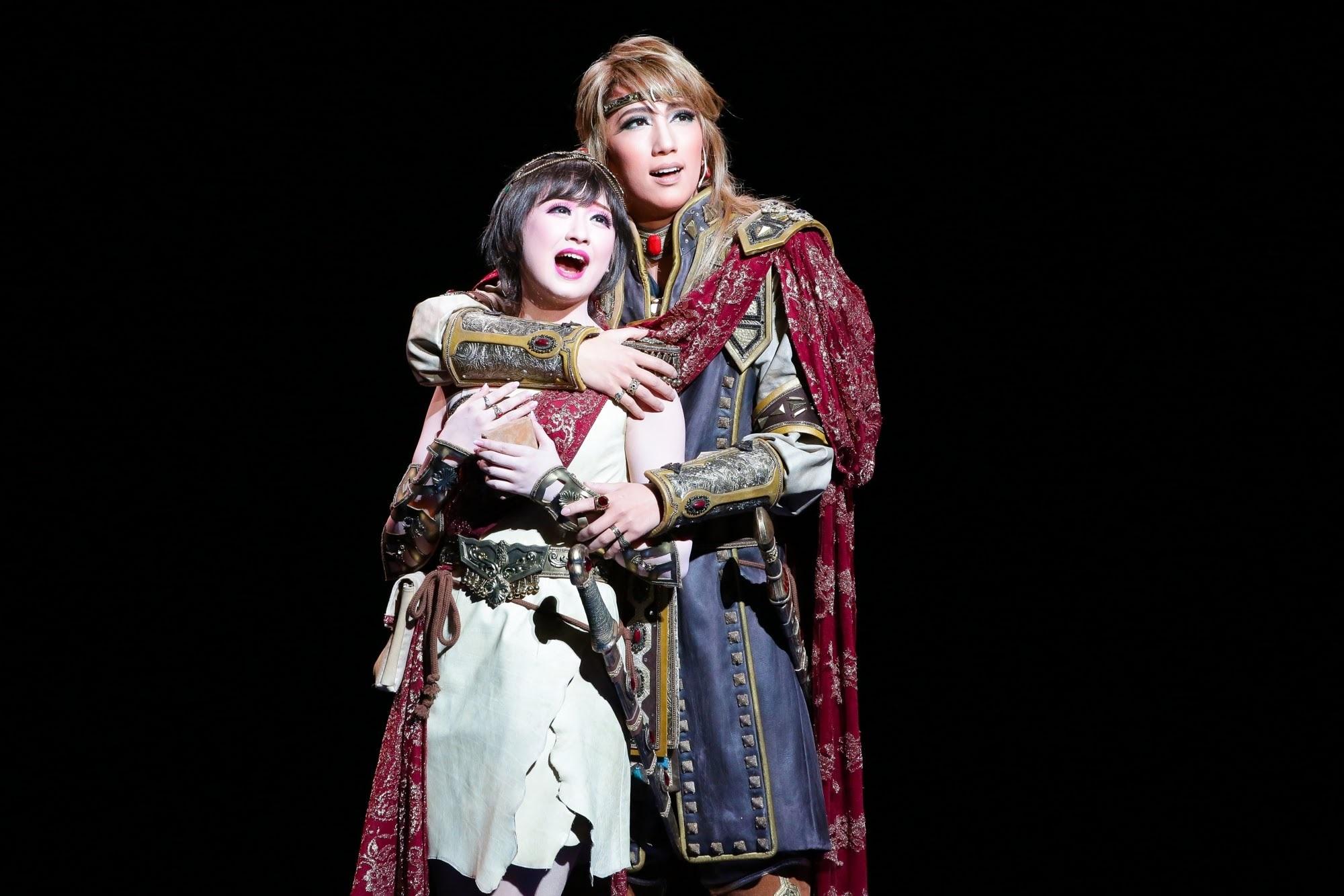 ミュージカル・オリエント『天(そら)は赤い河のほとり』撮影:森好弘 (c)宝塚歌劇団