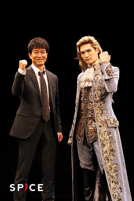 左から寺脇康文、ジェシー(SixTONES)