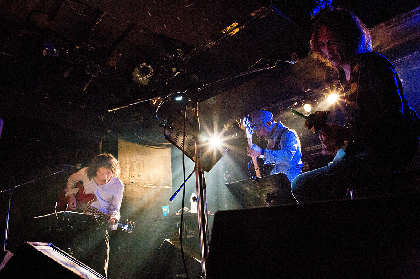 花田裕之、下山淳、穴井仁吉がルースターズのラストアルバムから30周年記念しライブ