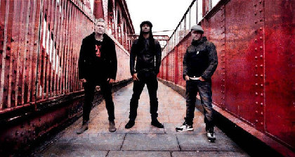THE PRODIGY、最新アルバム『The Day Is My Enemy』より「Nasty」のパフォーマンス映像公開!