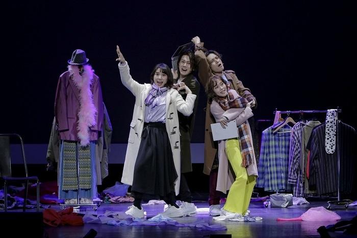ミュージカル『EDGES -エッジズ-』舞台写真 (前列左から)増田有華、菜々香(後列左から)太田基裕、矢田悠祐