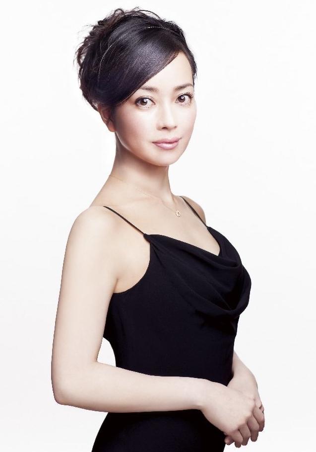 ピアニスト・三浦友理枝。ミニコンサートの曲目は、当日のお楽しみ! (c)Yuji Hori