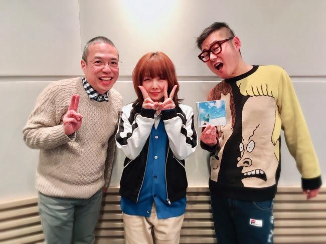 左から、三代澤康司アナ、aiko、下埜正太