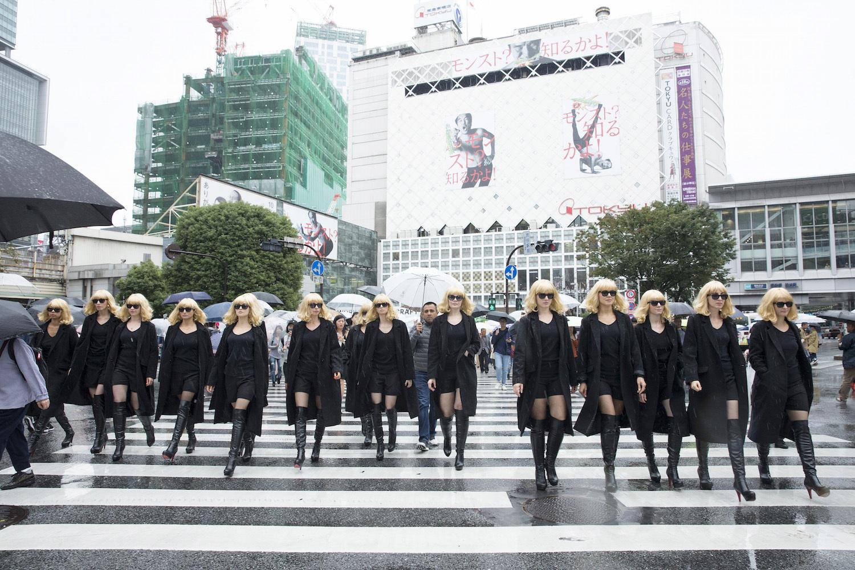 渋谷に襲来したアトミック女子たち