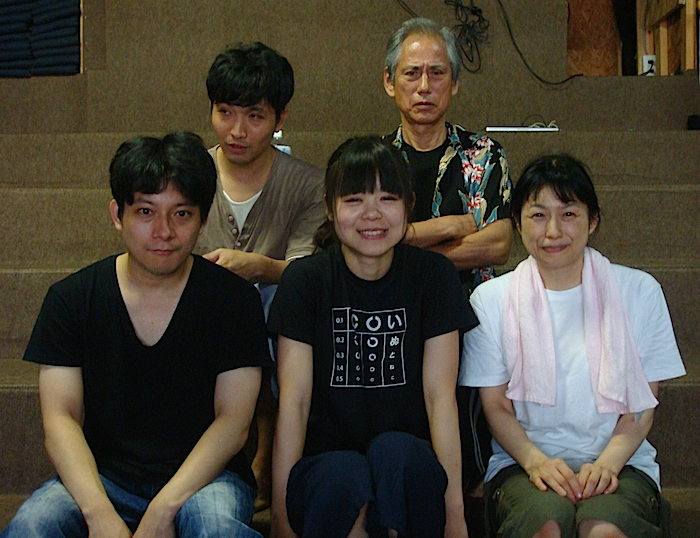 出演者の一部。前列左から・小林夢二、岩本苑子、水柊 後列左から・る、井村