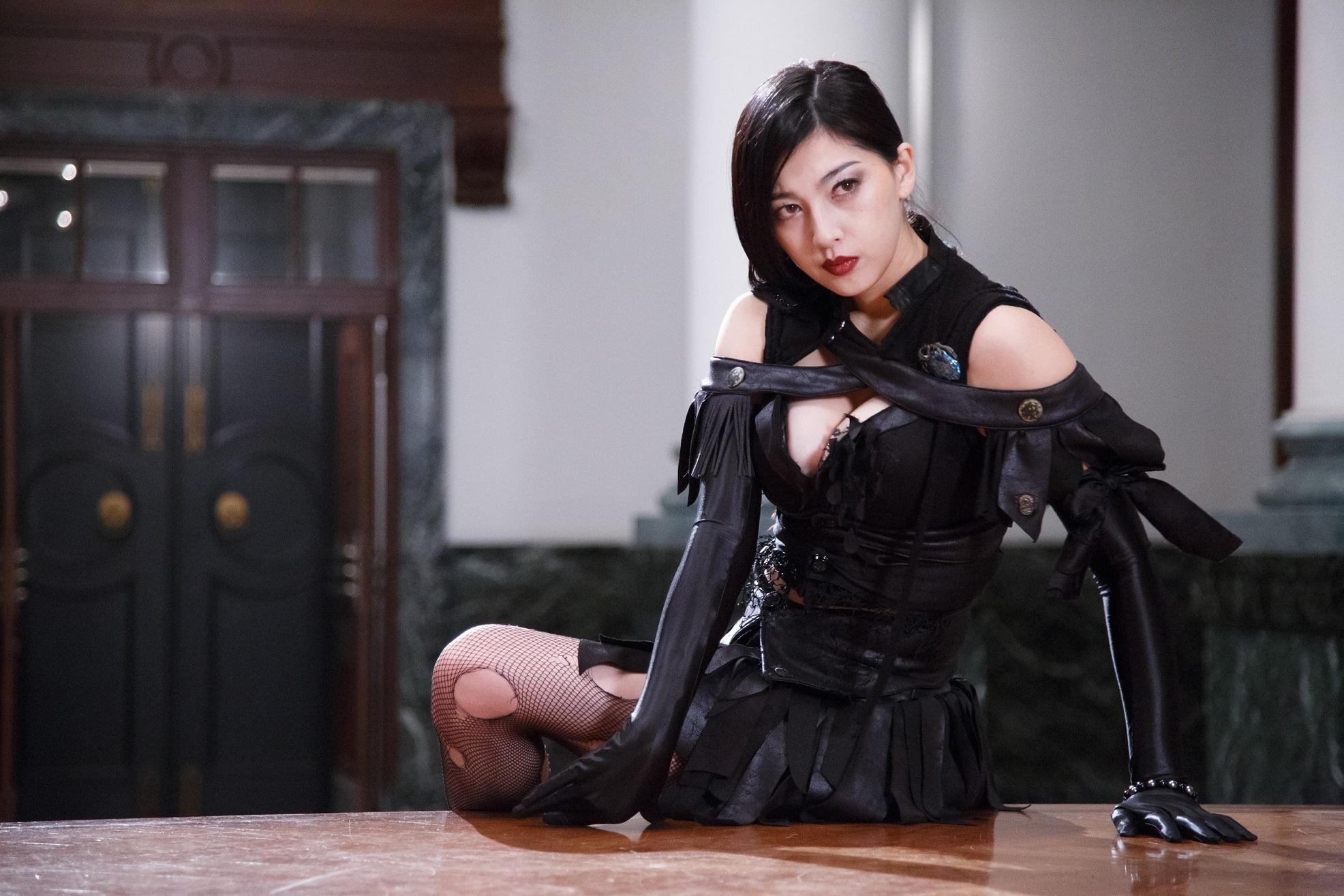 アミリ役・松野井雅 (C)2017「神ノ牙」雨宮慶太/東北新社