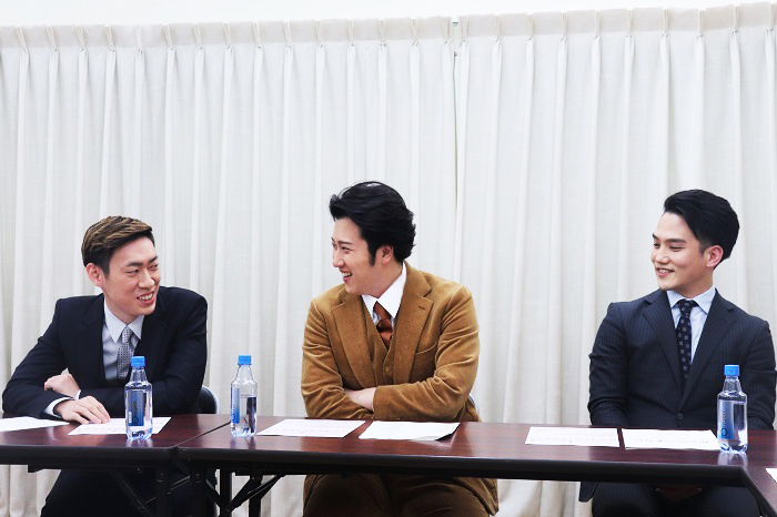 新春浅草歌舞伎 合同取材会 写真左から坂東巳之助、尾上松也、中村歌昇