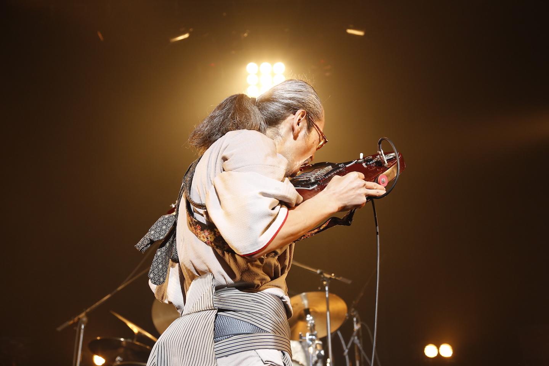 人間椅子・和嶋慎治  PHOTO BY ほりたよしか