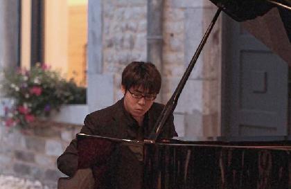 ピアニスト江﨑昭汰インタビュー~幻の作品を集めた異色のピアノCD「黛敏郎の秘曲」