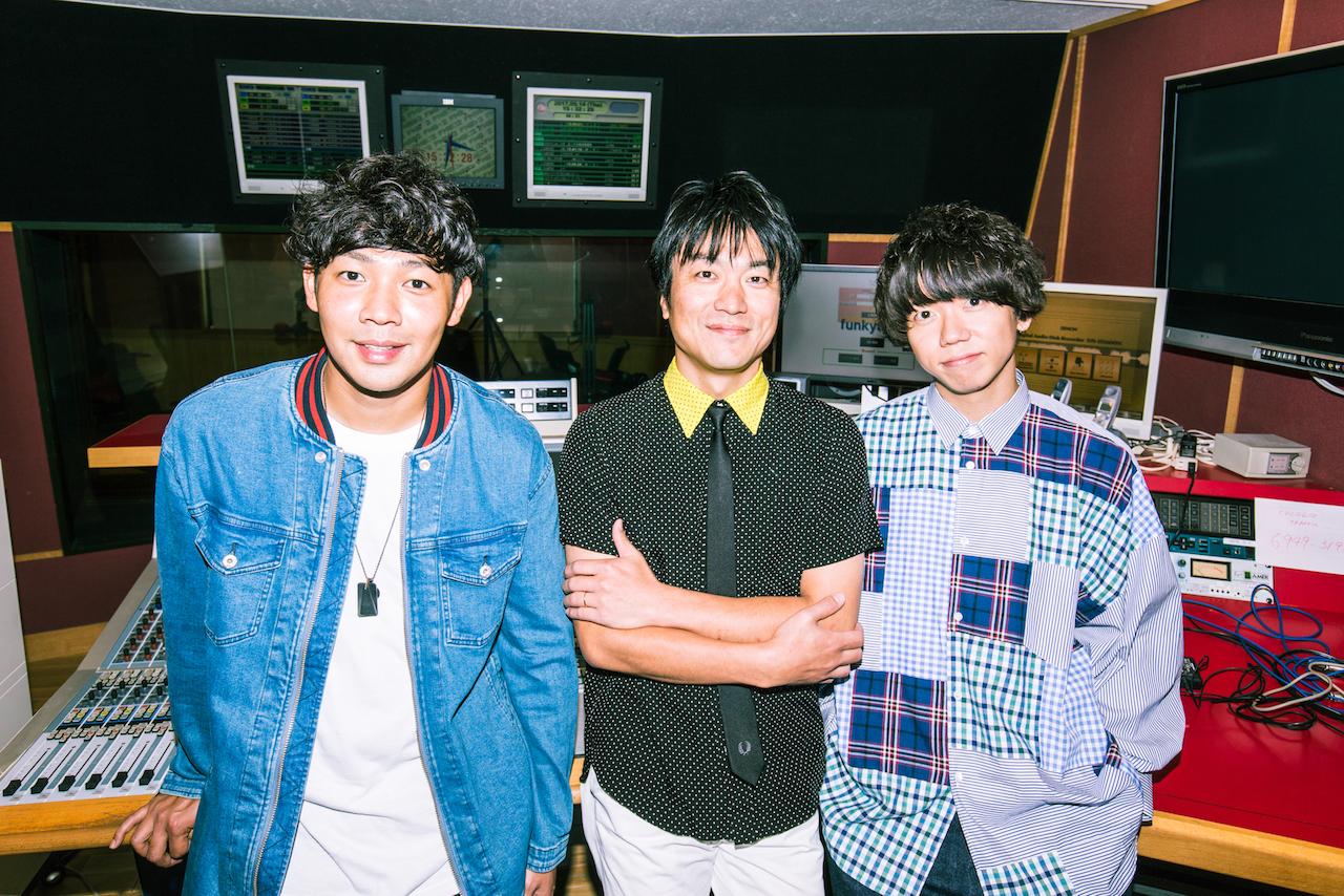 『ラジオの中の人』左:Rover(ベリーグッドマン)中:DJ飯室大吾(FM802)右:片岡健太(sumika)