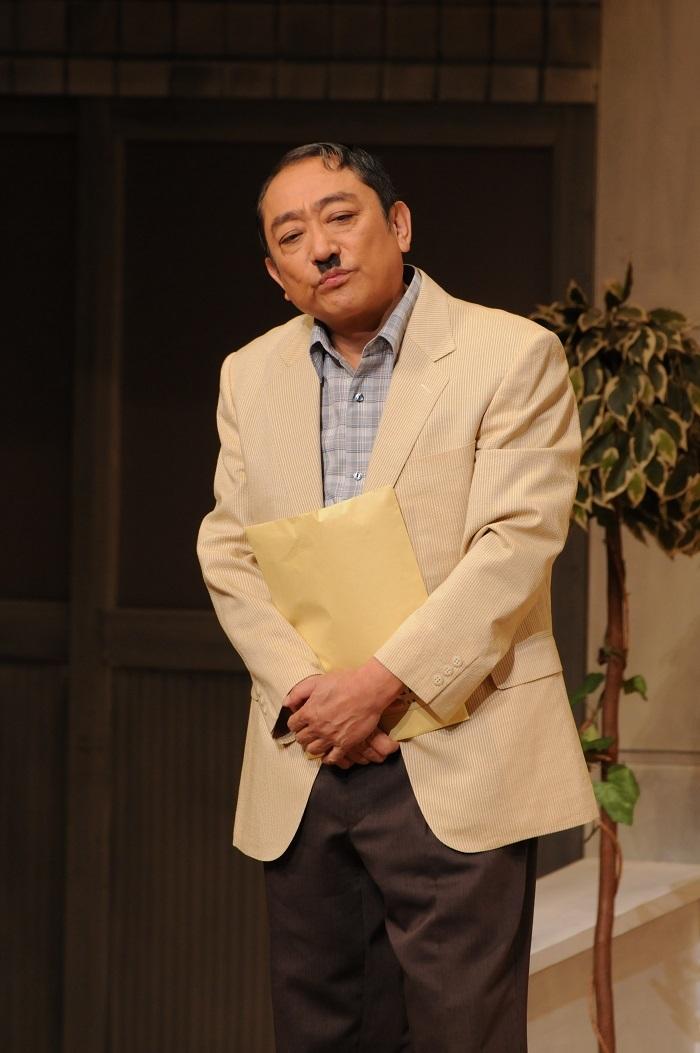 2009年9月大阪松竹座『裏町の友情』倉橋貞一=渋谷天外 (C)松竹