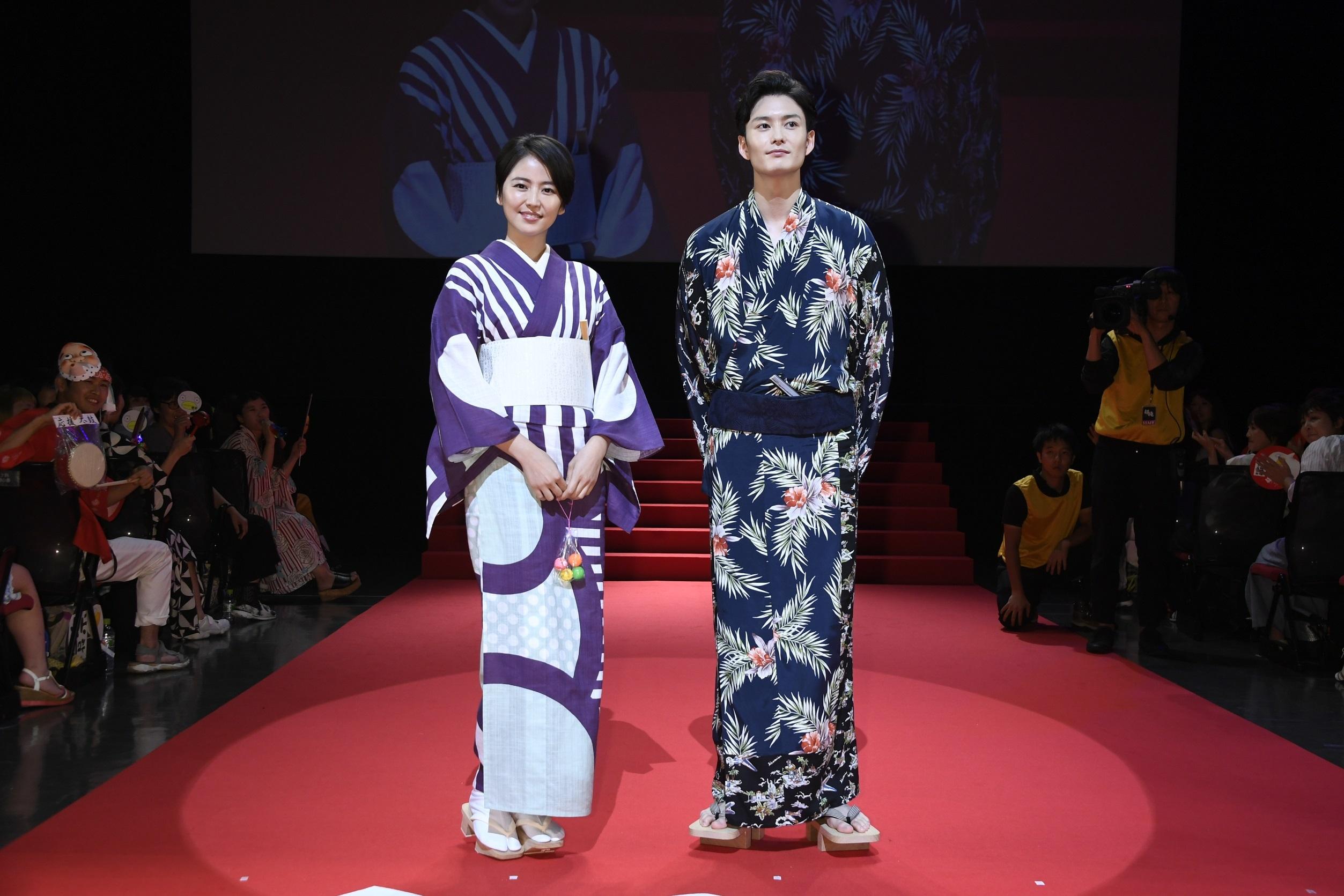 左から、長澤まさみ、岡田将生