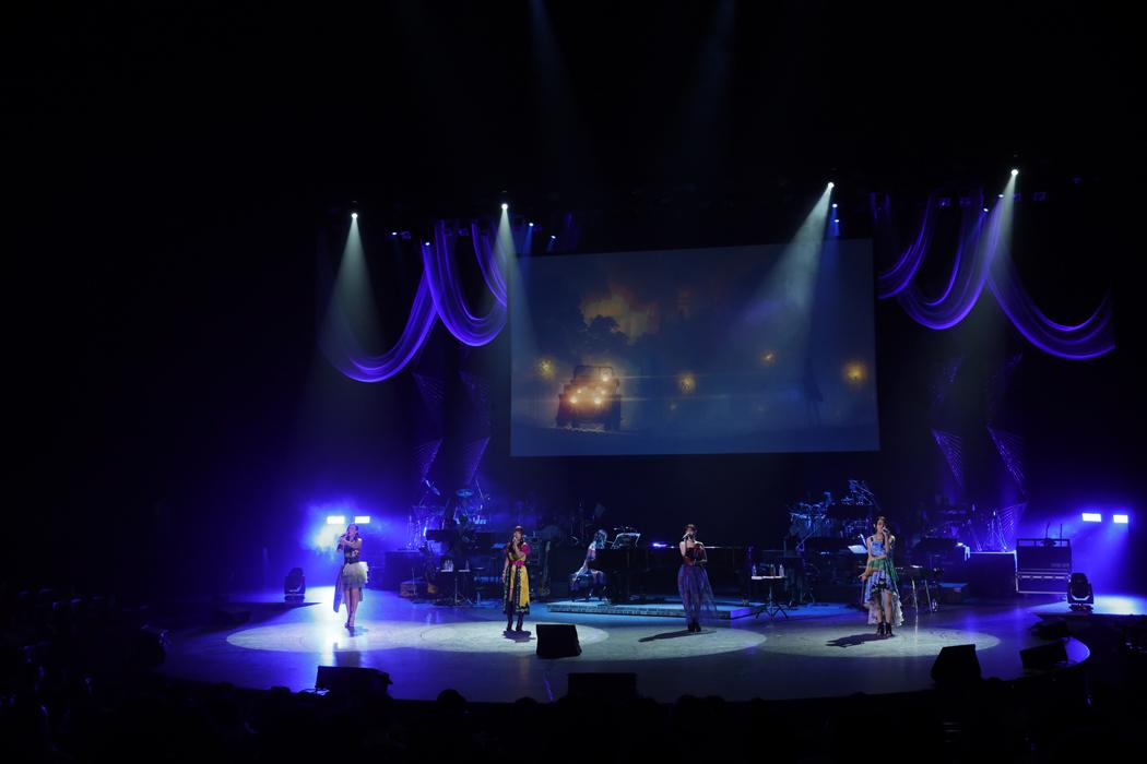 Kajiura_Utahime 左:Joelle、YURIKO KAIDA、KEIKO、KAORI(19日公演より)