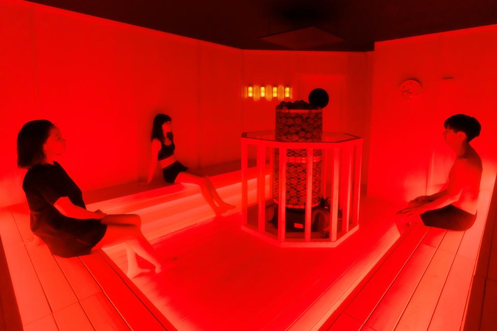 Fire Redのサウナ室はほうじ茶のアロマ(写真=オフィシャル提供)