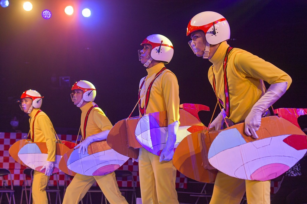 LIVE ミュージカル演劇『チャージマン研!』R-2 カメラマン:鏡田伸幸 (C)2020 鈴川鉄久/ICHI/チャージマン研!Lol