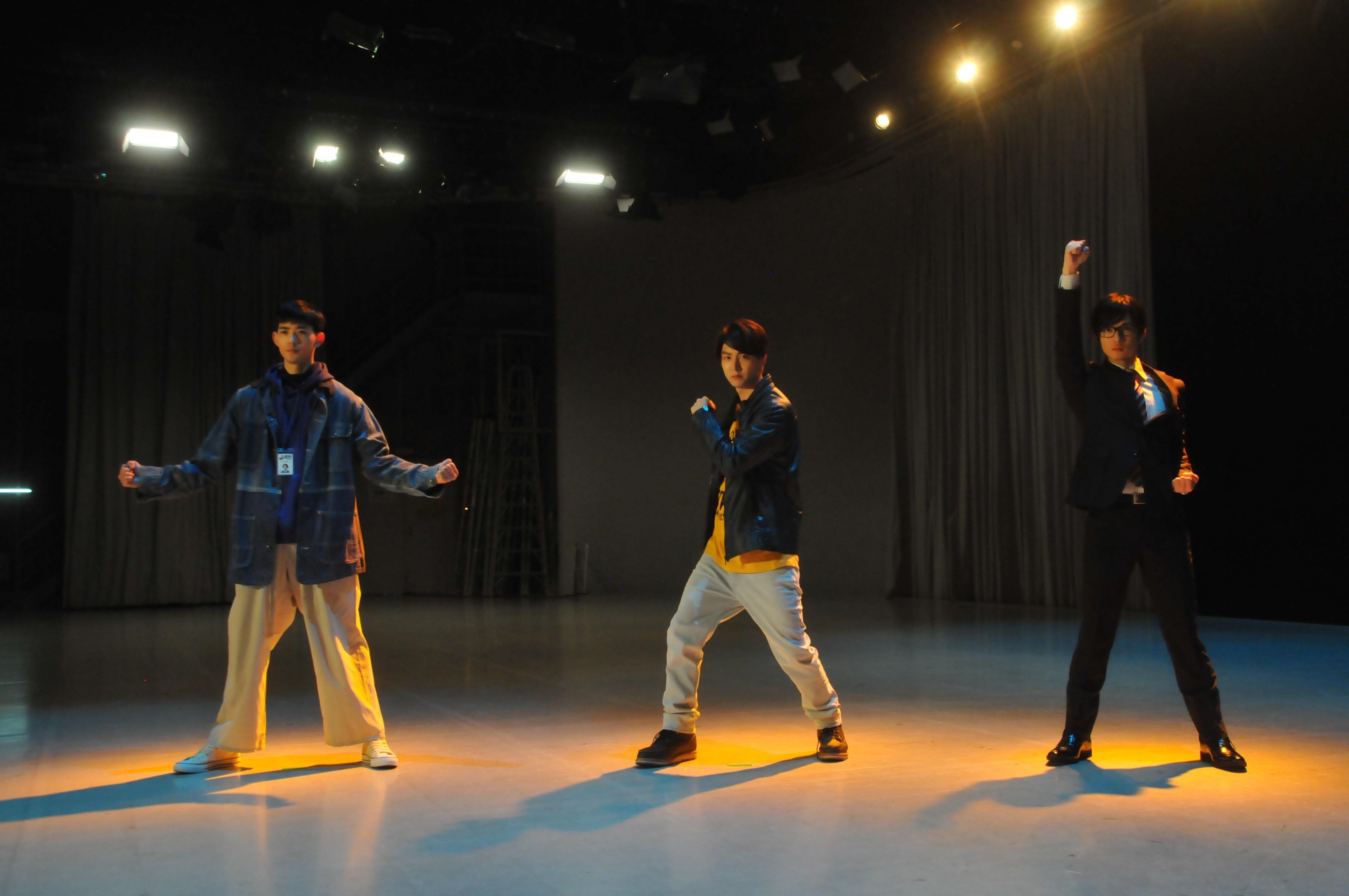 左から、竜星涼、稲葉友、千葉雄大 (C)2017 『N.Y.マックスマン』製作委員会