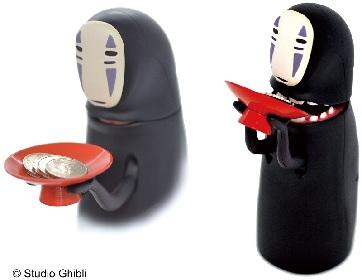 『千と千尋の神隠し』のカオナシがコインを食べる貯金箱、リアルなげっぷを動画で確認