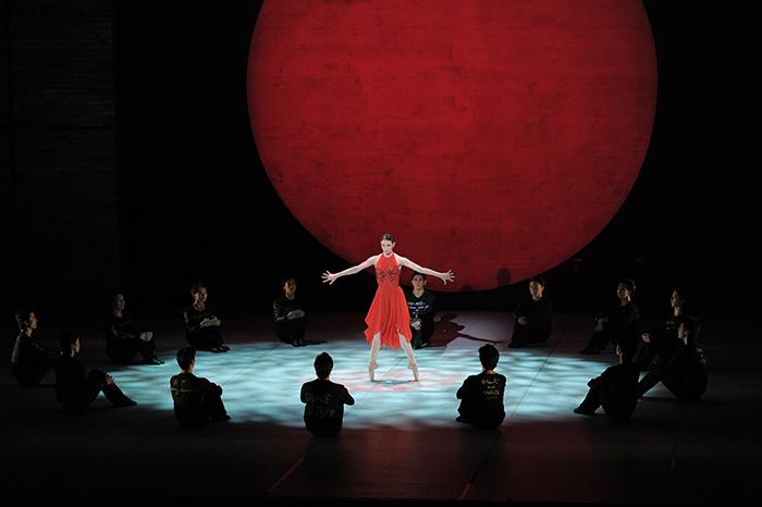 『デューク・エリントン・バレエ』Ad Lib on Nippon (撮影:鹿摩隆司)