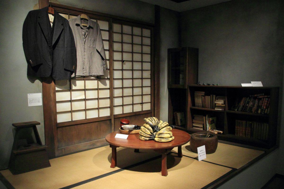 背広・シャツ 茶碗セット ⓒ水木プロダクション
