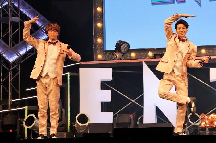 (左から)越岡裕貴、福田悠太