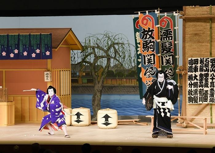 第二部『双蝶々曲輪日記 角力場』左より、放駒長吉=中村勘九郎、濡髪長五郎=松本白鸚 (C)松竹
