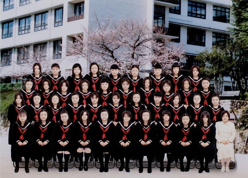 澤田知子《School Days/A》2004年、東京都写真美術館蔵[参考図 版]