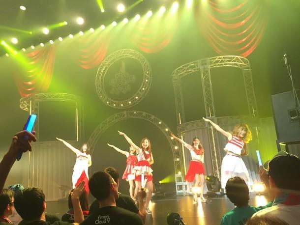 「9nine LIVE CIRCUIT 2015 ADVANCE」大阪・サンケイホールブリー公演の様子。(提供:レプロエンタテインメント)