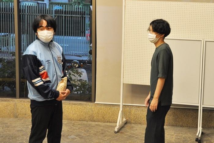 本多力(左)は「京都妖気保安協会」と敵対する骨董屋の役。