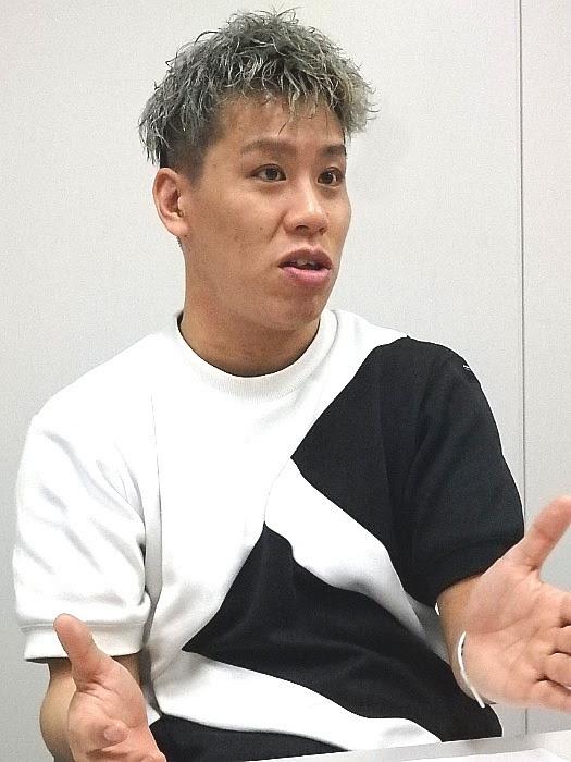 左から伊藤今人(梅棒)