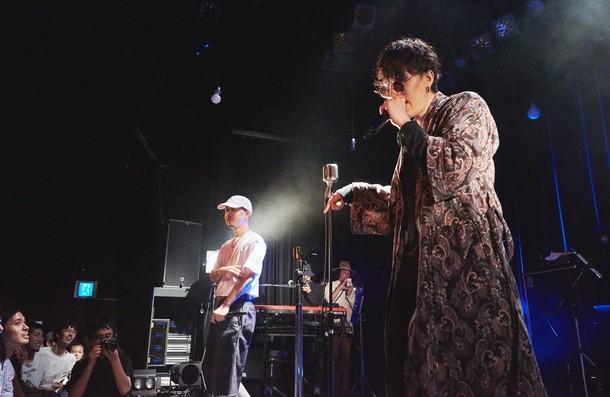 左から5lack、野田洋次郎。(Photo by Masato Kawamura)