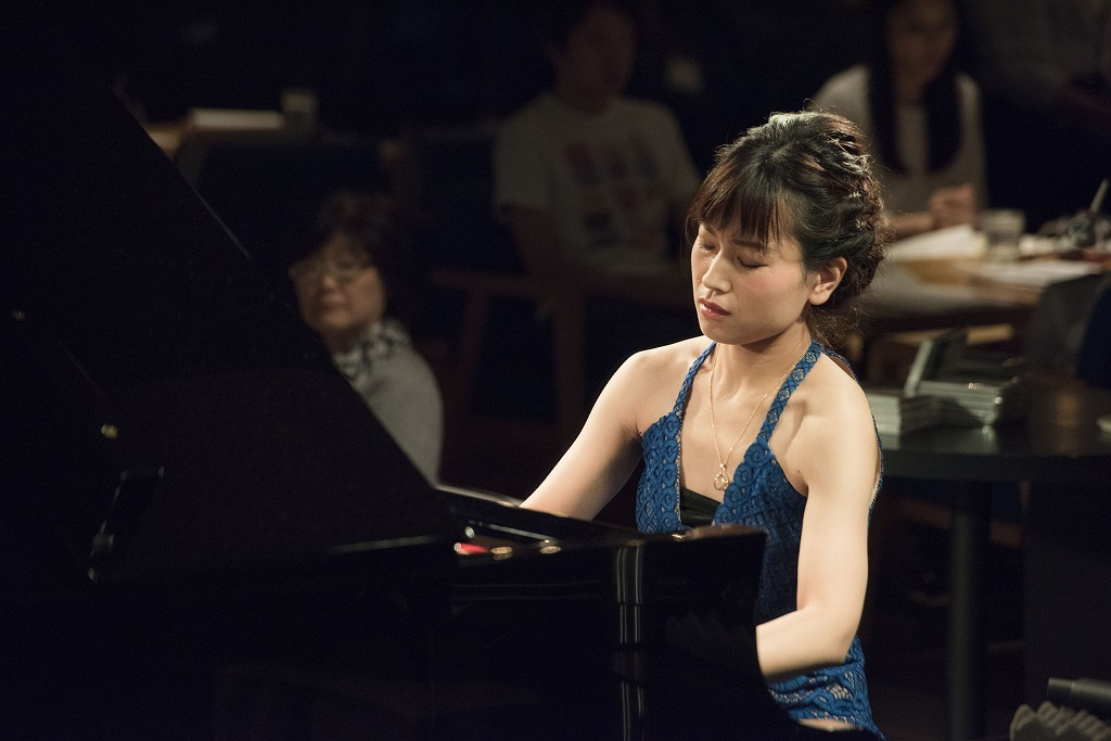 福原彰美(ピアノ)