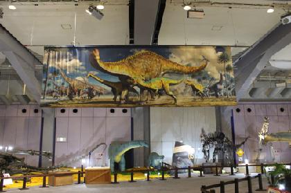 ヨーロッパ最大の恐竜トゥリアサウルス関西初公開『メガ恐竜展2017ー巨大化の謎にせまるー』