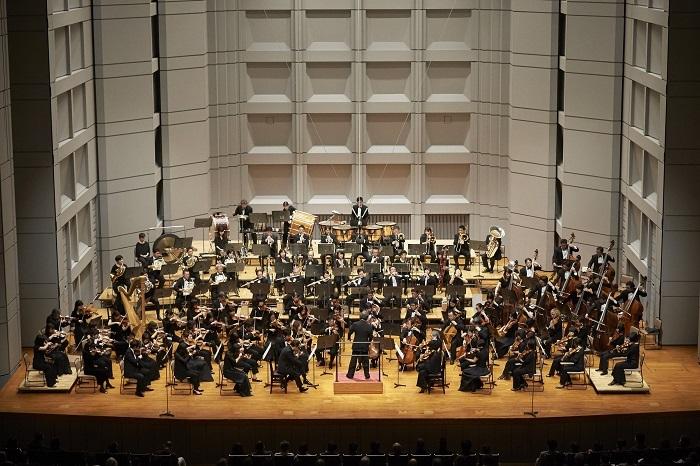 東京フィルハーモニー交響楽団 (C)上野隆文