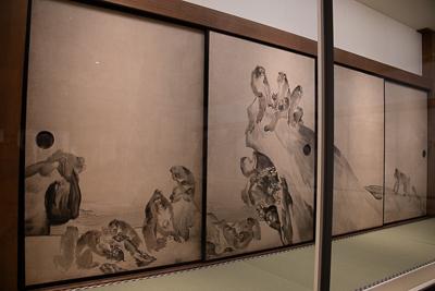 長沢芦雪 《群猿図襖》 紙本淡彩 四面 各166.0×117.5cm 寛政7年(1795) 兵庫・大乗寺