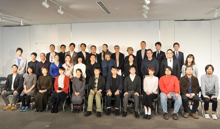 [THEATRE E9 KYOTO]スタッフ+オープニングプログラムに参加する全団体の代表たち。