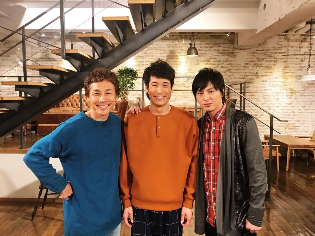 左から、KEMURI・伊藤ふみお、佐藤隆太、塚本高史