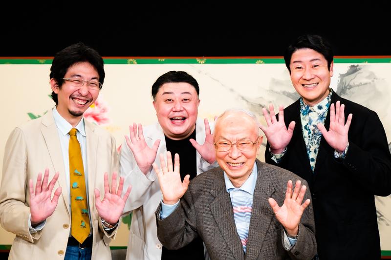 (左から)戸部和久(司会)、市川猿弥、市川寿猿、市川笑三郎