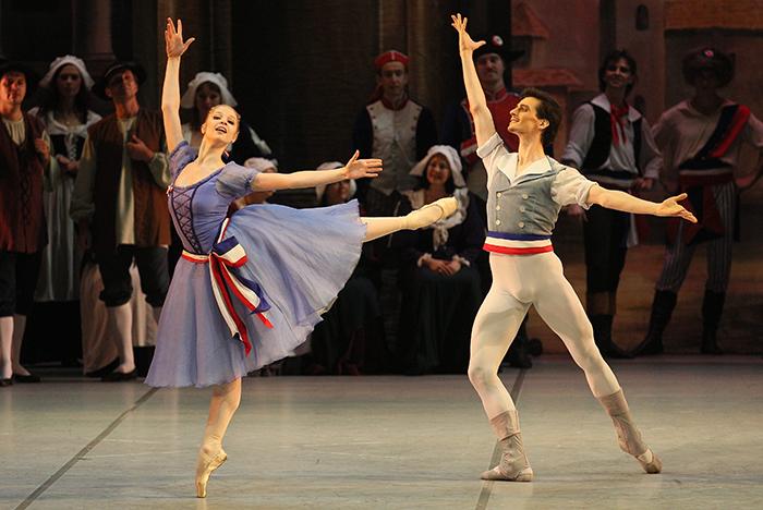 ミハイロフスキー劇場バレエ『パリの炎』