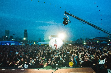 水曜日のカンパネラ、香港最大級『Clockenflap Festival 2017』に登場 イマジネーションを越えた演出にオーディエンスが大興奮