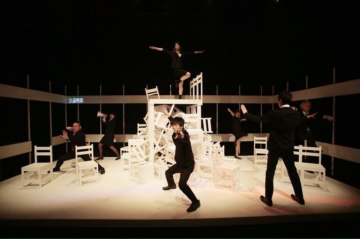 匿名劇壇『二時間に及ぶ交渉の末』(2014年) [撮影]河西沙織(劇団壱劇屋)