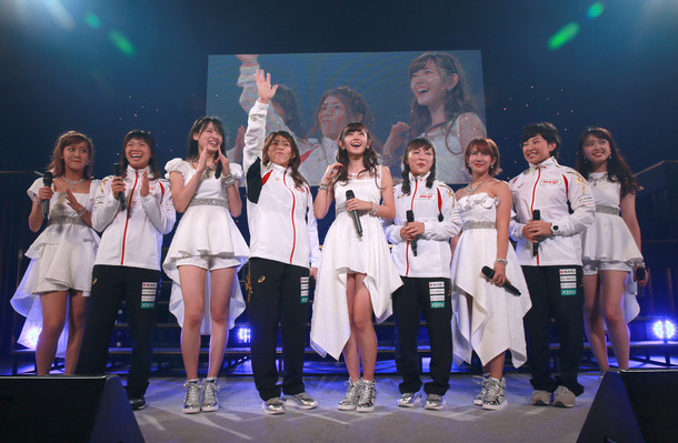 「℃-uteコンサートツアー2015秋 ~℃an't STOP!!~」愛知公演の様子。(提供:アップフロント)