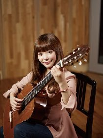 朴 葵姫(ギター) スペインの空気を音に込めて