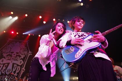 VAMPS、多彩なゲストも登場したZepp FukuokaでのLAST PARTY2日間