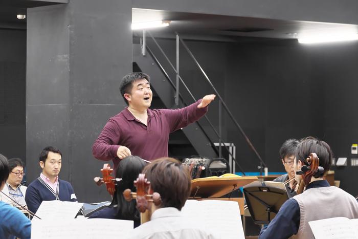 オーケストラ・リハーサル(指揮は園田隆一郎) ©Naoko Nagasawa