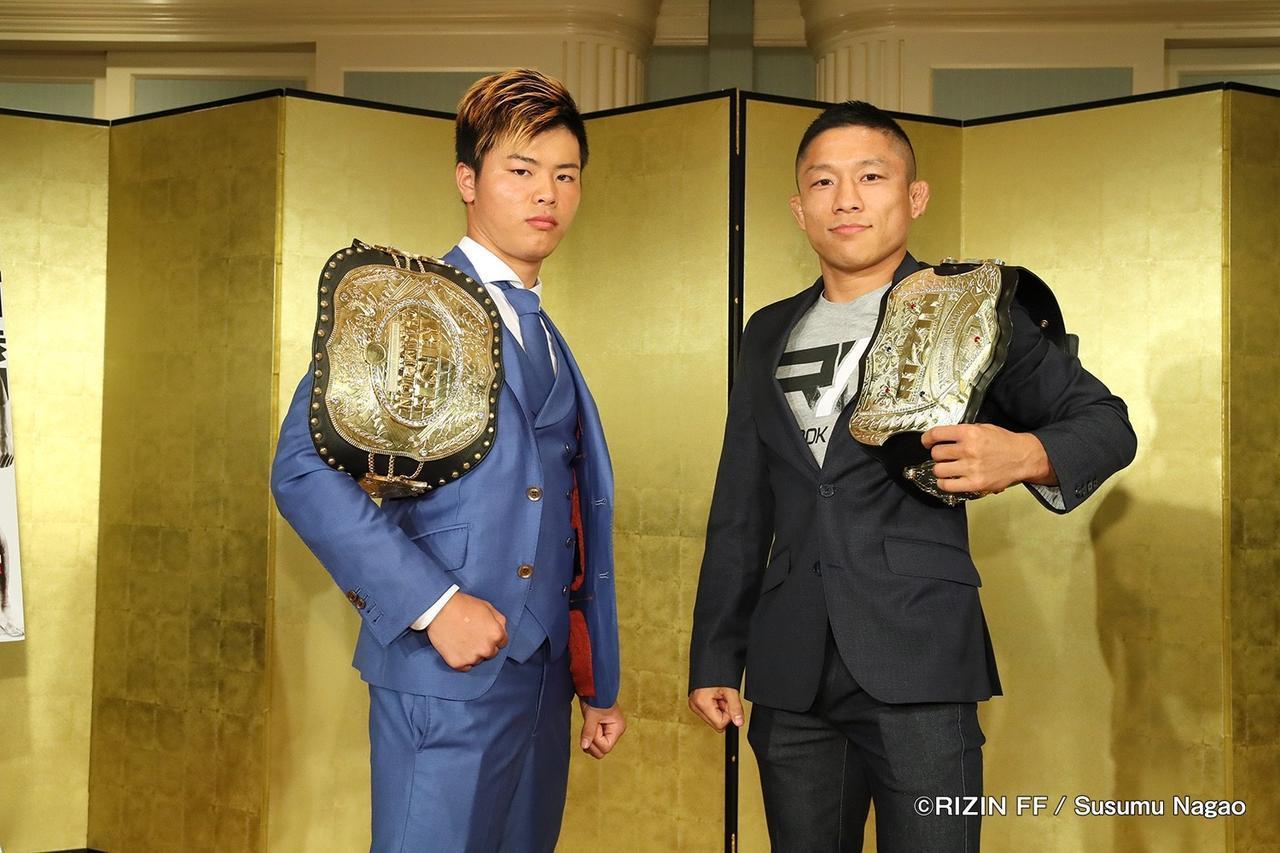 メインイベントとなるワンマッチ。左が那須川天心、右が堀口恭司