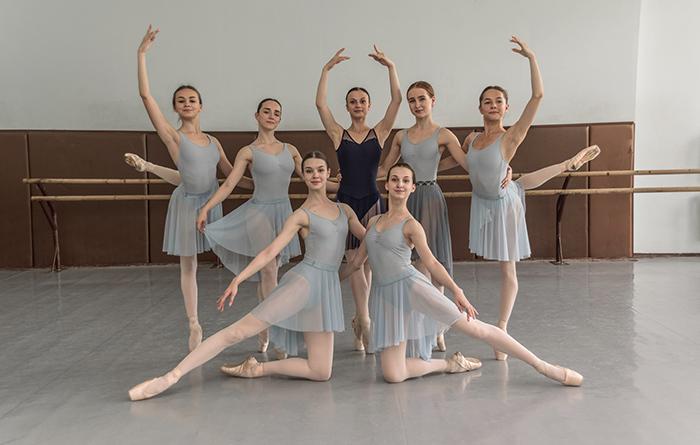 キエフ国立バレエ学校レッスン風景