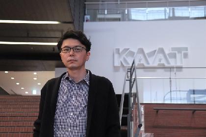 桐山知也(演出家)インタビュー「時間と場所を共有する表現方法は劇場にある」~リーディング公演『ポルノグラフィ』