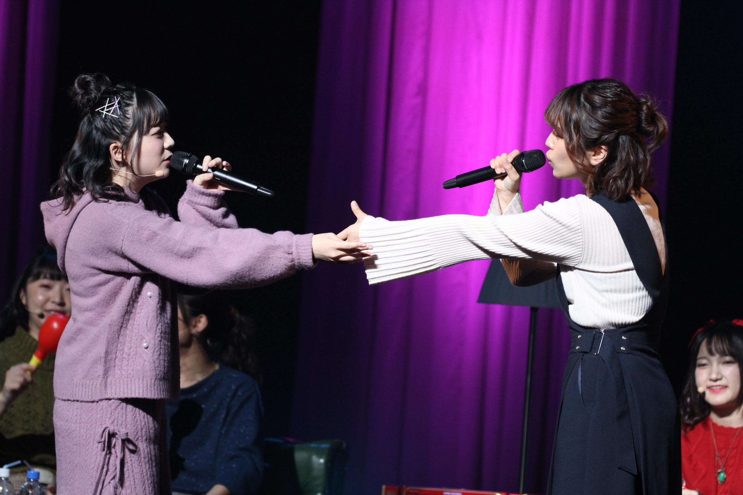 愛美・伊藤は「ゆら・ゆらRing-Dong-Dance」というサプライズ選曲