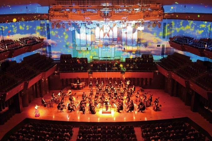 """0歳児からの""""光と映像で楽しむオーケストラ""""は、完売必至の人気コンサート (C)ザ・シンフォニーホール"""